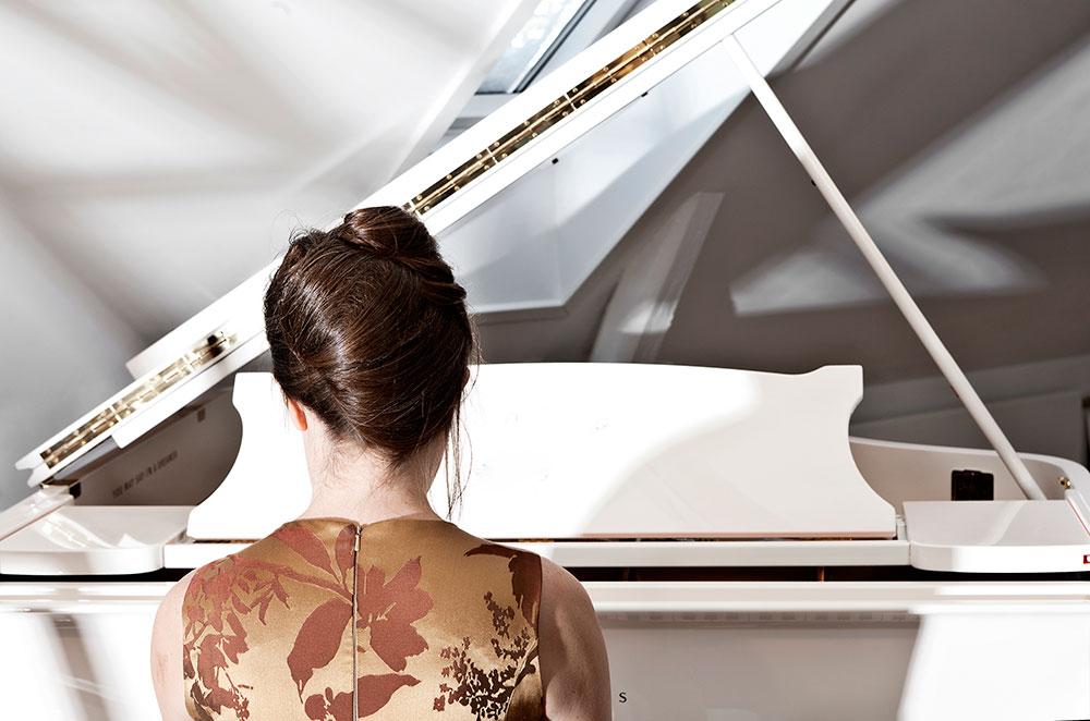Portræt Bagfra Klaver